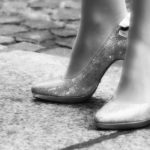 ストッキングが臭くなるのは靴との相性?簡単な消臭方法!